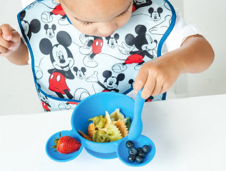 Disney Baby Mickey Mouse/Minnie Mouse First Feeding Set from Bumkins