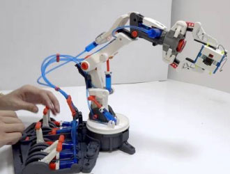 Robotikits Hydraulic Arm Edge from OWI