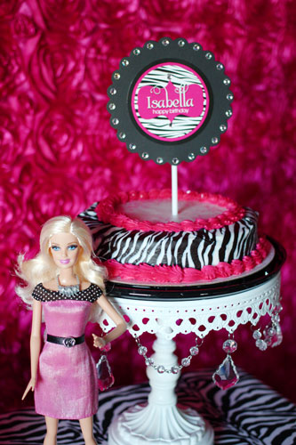 How to throw a unique Barbie party with personalized party printables!
