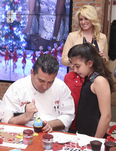 Cake Boss Cupcake Decorating Ideas : TTPM Blogs Host a Cake Boss Cupcake Decorating Party ...