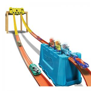 Hot Wheels Track Builder Unlimited Multi-Lane Speed Box and Disney Character Cars