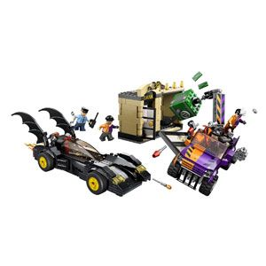 LEGO DC Universe Superheroes Batmobile & the Two-Face Chase